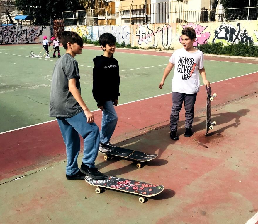 Μαθήματα Skateboarding στον Έσπερο Καλλιθέας.